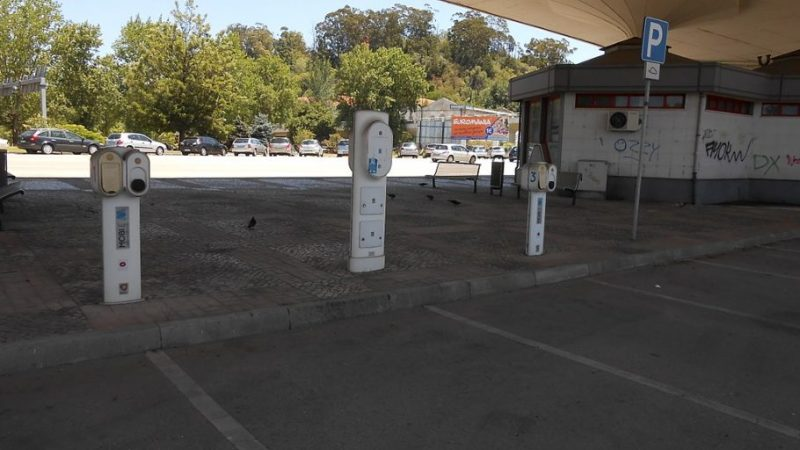 Electric vehicle charging stations in the parking lot at the Avenida Fernão de Magalhães in Coimbra