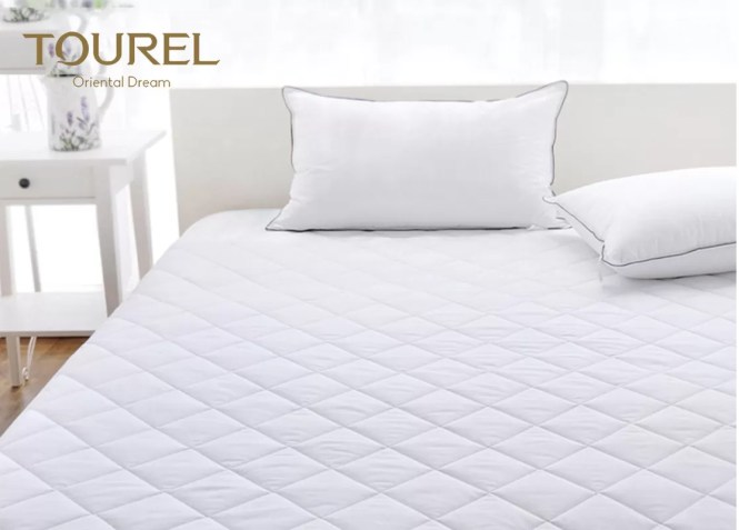 Polyester Hotel Mattress Protector Cover Waterproof Quilted
