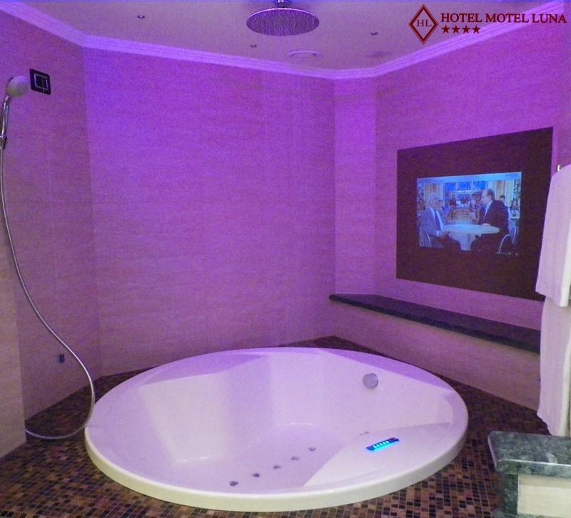 Bagno Turco Con Cromoterapia.Suite Con Bagno Turco E Idromassaggio Cromoterapia Hotel Motel