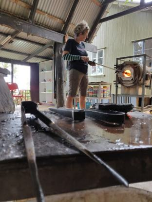 Work_bench_Hot_Glass_Fiji