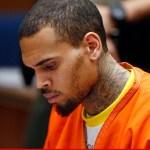 Chris Brown schopt fan het ziekenhuis in