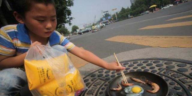 Karena Suhu Yang Terlalu Panas Warga China Sampai Bisa Masak di Jalan