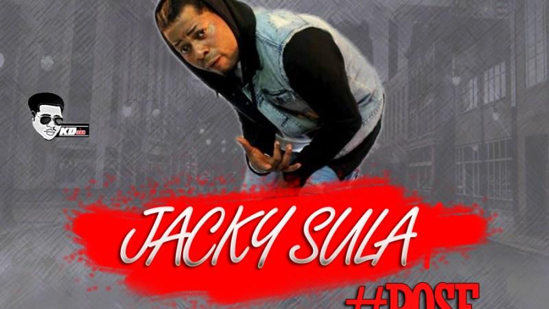 Jacky sula – Pose