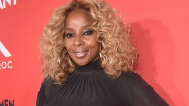 Photo of Mary J. Blige Shares New Music 'Can't Be Life'