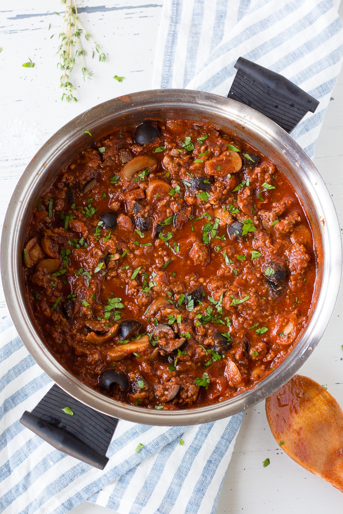 a pot of spaghetti sauce