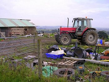 English: Farm Clutter at Burnibrae.