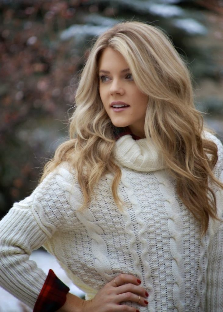 30 Medium Blonde Hairstyles For Women Go Bold And Blonde