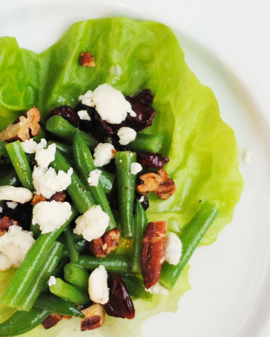 Haricots Verts Salad with Blue Cheese, Pecans and Cranberries | Hottie Biscotti