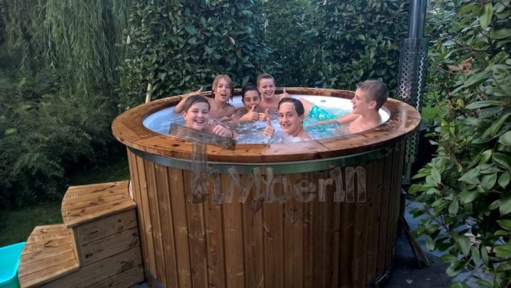 Hottub Fiberglas Met Geïntegreerde Kachel Thermohout Vincent Boxtel Netherlands 1