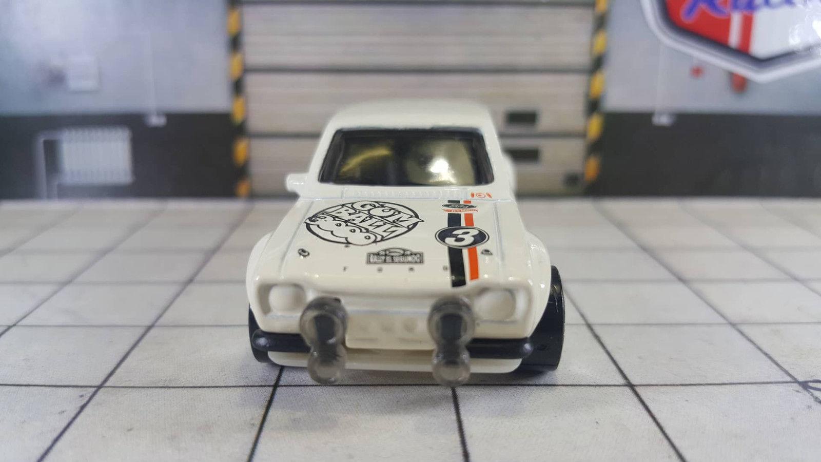 2018 Ford Lightning >> Hot-Wheels-2019-Ford-Escort-RS1600-Gumball-3000-002 ...