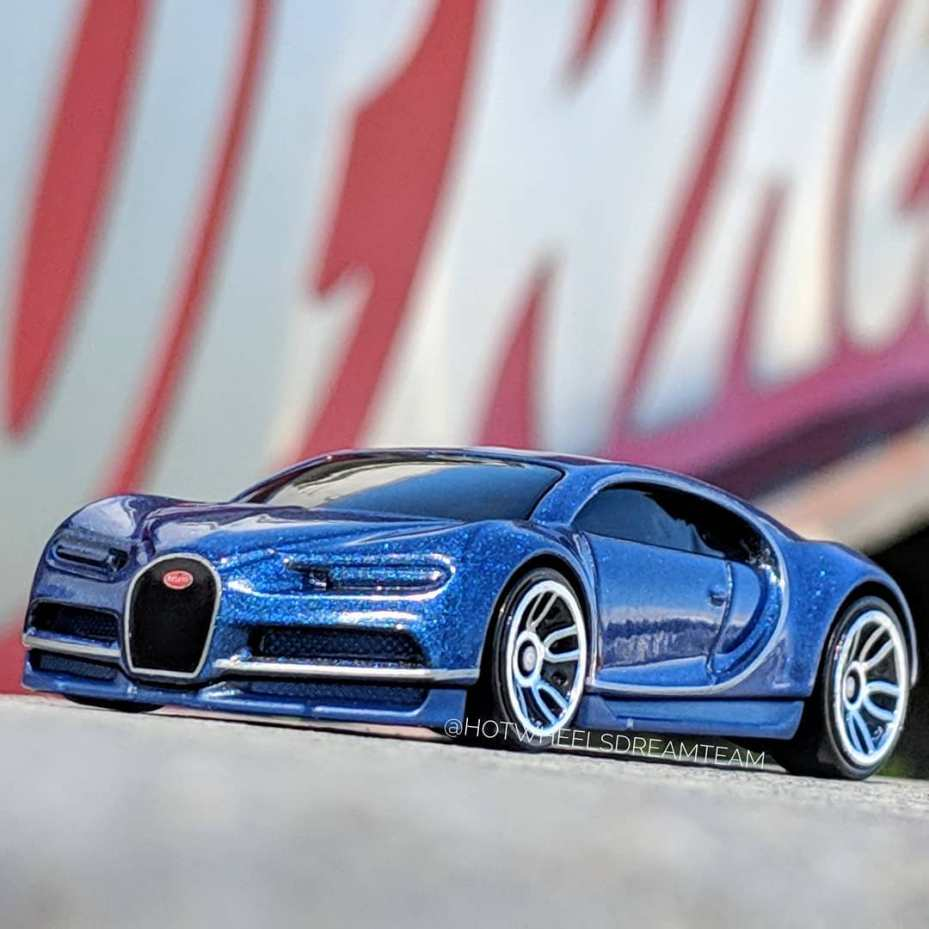 Hot-Wheels-2019-Bugatti-Chiron