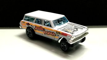 Hot-Wheels-2019-Chevy-Nova-Wagon-Gasser-3