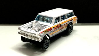 Hot-Wheels-2019-Chevy-Nova-Wagon-Gasser-4