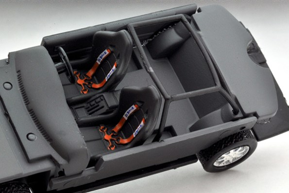 Tomytec-Tomica-Limited-Vintage-LV-N185b-Nissan-Bluebird-SSS-R-Championnat-rallyes-japonais-006