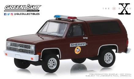 GreenLight-Collectibles-Hollywood-25-1981-Chevrolet-K-5-Blazer-Sheriff-The-X-Files.jpg