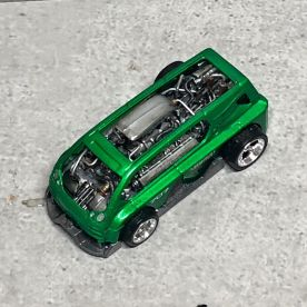Hot-Wheels-Hyperliner-Rugrat-Custom-Works-004