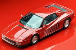 Tomica-Limited-Vintage-Neo-Ferrari-Testarossa-1