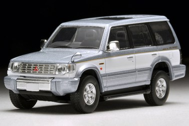 Tomica-Limited-Vintage-Neo-Pajero-Super-Exceed-Z-Silver-White-3