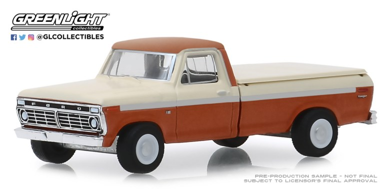 GreenLight-Collectibles-Blue-Collar-Series-6-1973-Ford-F-100-with-Bed-Cover