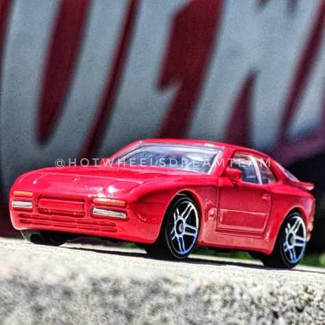 Hot-Wheels-89-Porsche-944-Turbo-007