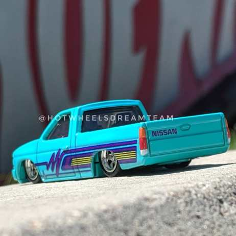 Hot-Wheels-Car-Culture-93-Nissan-D21-Custom-Pickup-001