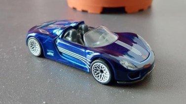 Hot-Wheels-2020-Super-Treasure-Hunt-Porsche-918-Spyder-004