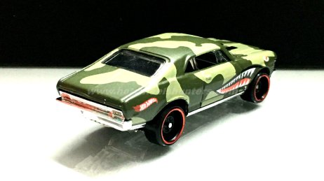 Hot-Wheels-68-Chevy-Nova-002