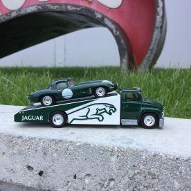 Hot-Wheels-Car-Culture-Team-Transport-Jaguar-001