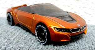 Hot-Wheels-id-BMW-i8-Roadster-001