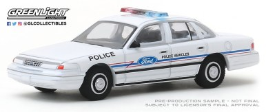 GreenLight-Collectibles-Hot-Pursuit-33-1993-Ford-Crown-Vic-Ford-Police-Vehicles-Show-Car