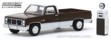 GreenLight-Collectibles-The-Hobby-Shop-8-1984-GMC-2500-High-Sierra