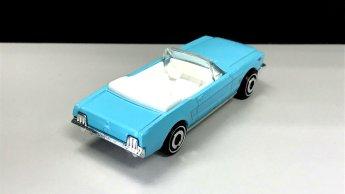 Hot-Wheels-65-Mustang-Convertible-002