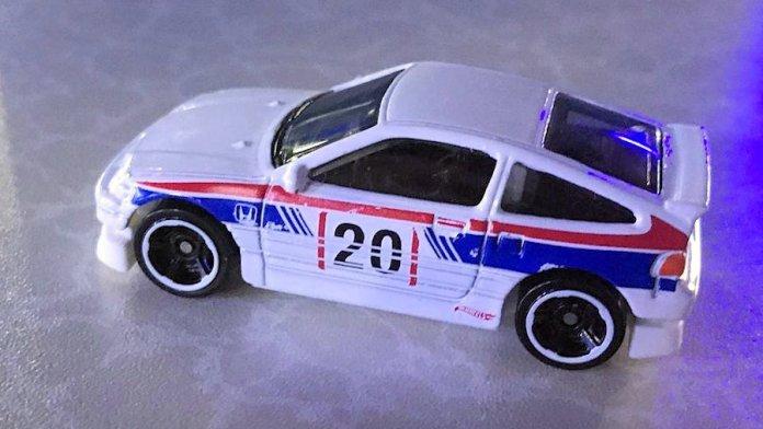 Hot-Wheels-88-Honda-CR-X-Mainline-2020-001