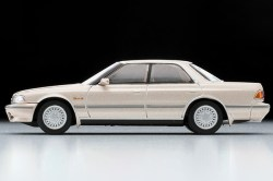 Tomica-Limited-Vintage-Toyota-Mark-II-Grand-Limited-Beige-003