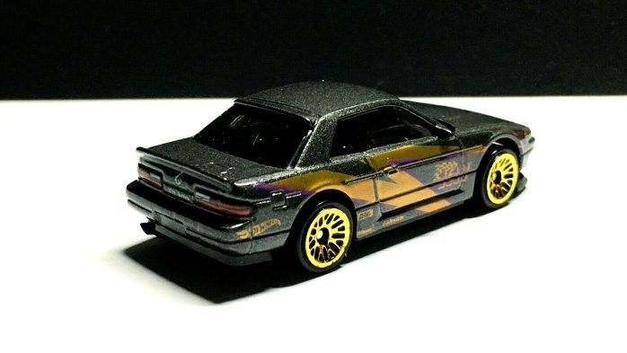 Hot-Wheels-2020-Nissan-Silvia-PS13-004