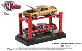 M2-Machines-Auto-Lift-1969-Chevrolet-Camaro-SS-350-Chase