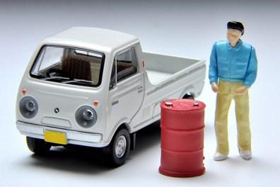 Tomica-Limited-Vintage-Mazda-Porter-Cab-blanc-001