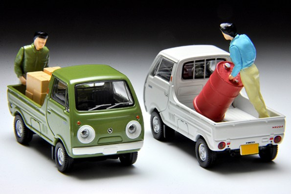 Tomica-Limited-Vintage-Mazda-Porter-Cab-vert-008