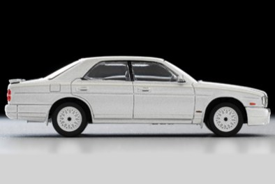 Tomica-Limited-Vintage-Nissan-Cedric-Gran-Turismo-Ultima-Type-X-Argent-006