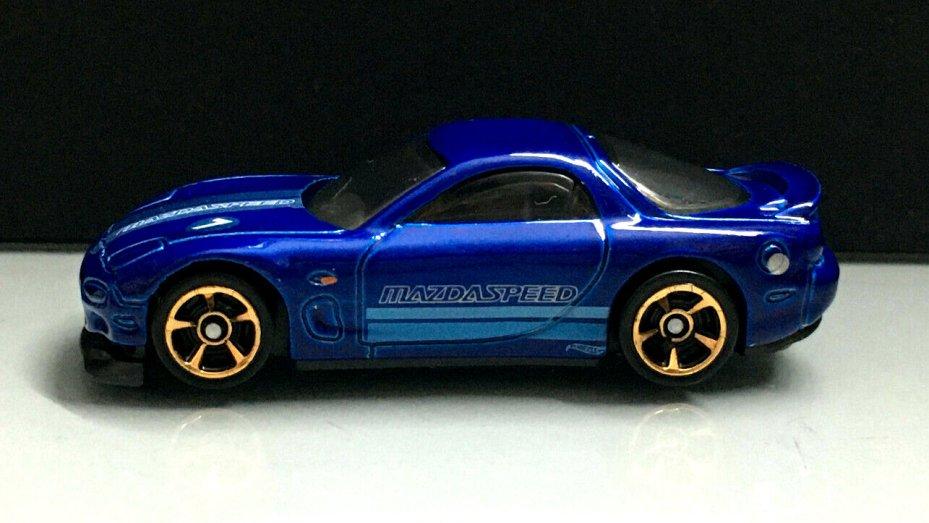 Hot-Wheels-2020-Mainline-95-Mazda-RX-7-003