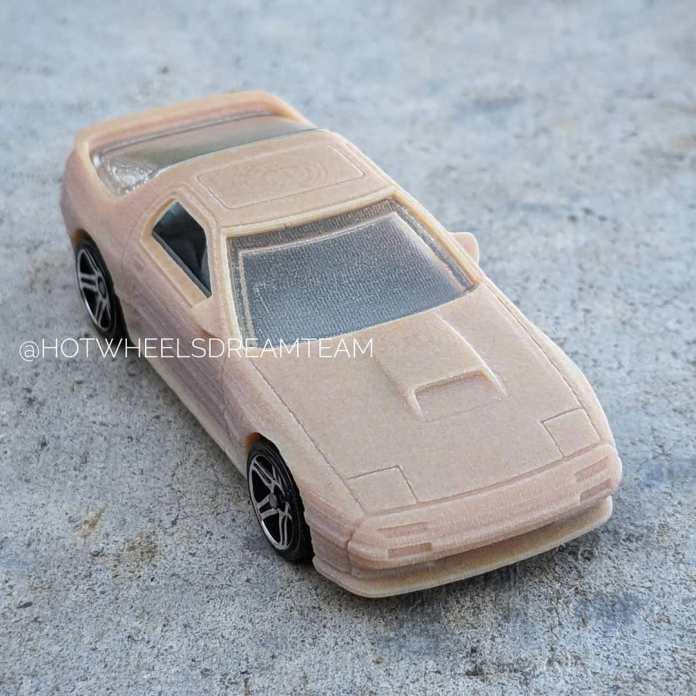 Hot-Wheels-2020-Mainline-Mazda-Savanna-RX-7-007