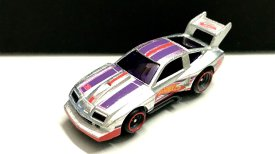 Hot-Wheels-76-Chevy-Monza-Mail-In-2020-002