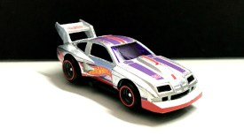 Hot-Wheels-76-Chevy-Monza-Mail-In-2020-003