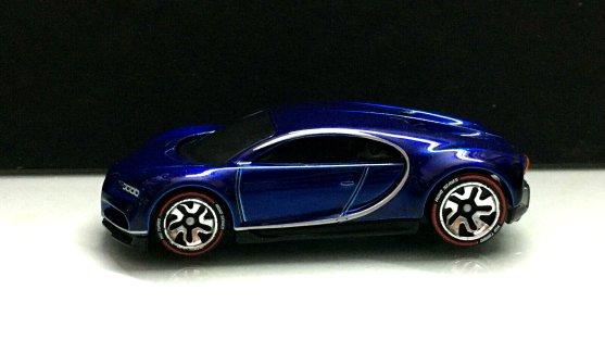 Hot-Wheels-ID-2020-16-Bugatti-Chiron-003
