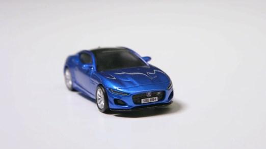 Hot-Wheels-New-Jaguar-F-Type-002