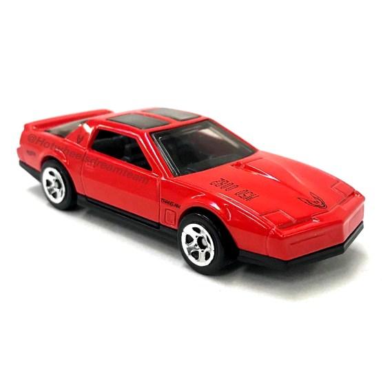 Hot-Wheels-2020-84-Pontiac-Firebird-Trans-Am-006