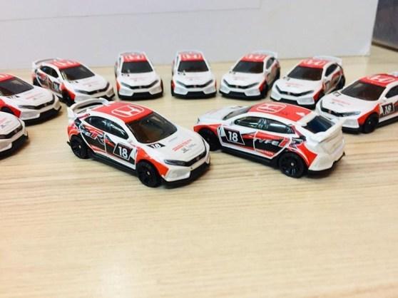 Hot-Wheels-2020-Mainline-2018-Honda-Civic-Type-R-001