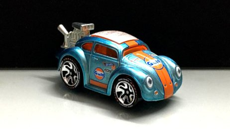 Hot-Wheels-id-2020-Volkswagen-Bettle-Tooned-Gulf-001