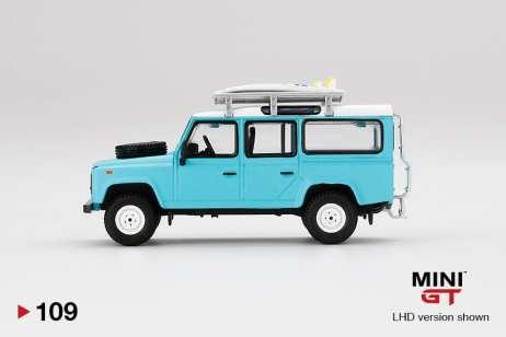 Mini-GT-Land-Rover-Defender-110-Bleu-Surfboard-002