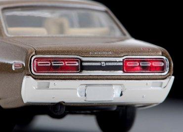 Tomica-Limited-Vintage-Neo-Nissan-Cedric-2000GL-Tea-008